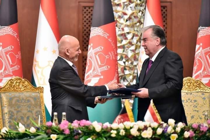 افغانستان له تاجکستان سره تفاهم لیکونه لاسلیک کړل