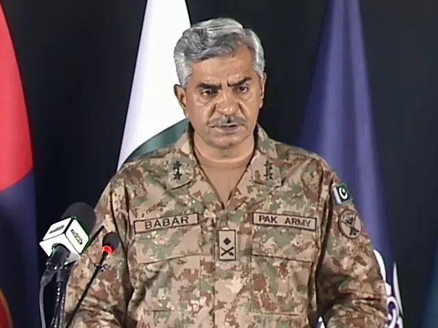 پاکستان: افغانستان به بیا ځلې د طالبانو لاس ته ونه غورځېږي.
