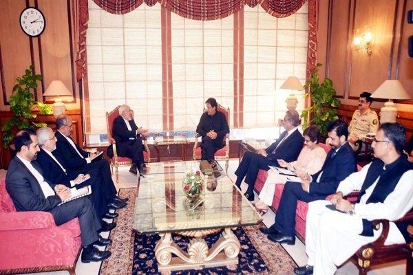 عمران خان او جواد ظریف افغان سوله د سیمې په ګټه بللې