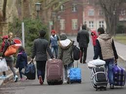جرمني ۲۰ پناه غوښتونکي بېرته هېواد ته راستانه کړل.