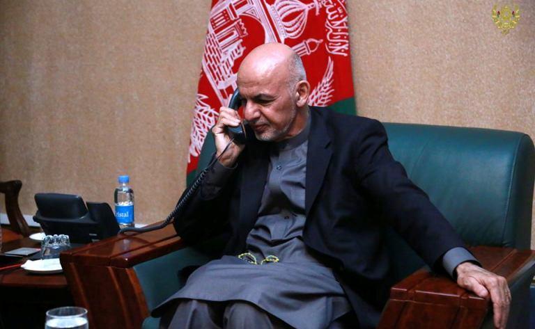 ارګ: ولسمشر غني د افغان سولې په اړه د قطر له امیر سره خبرې وکړې