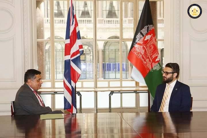 د محب سفر؛ بریتانیا: د افغان حکومت ترڅنګ ولاړ یو