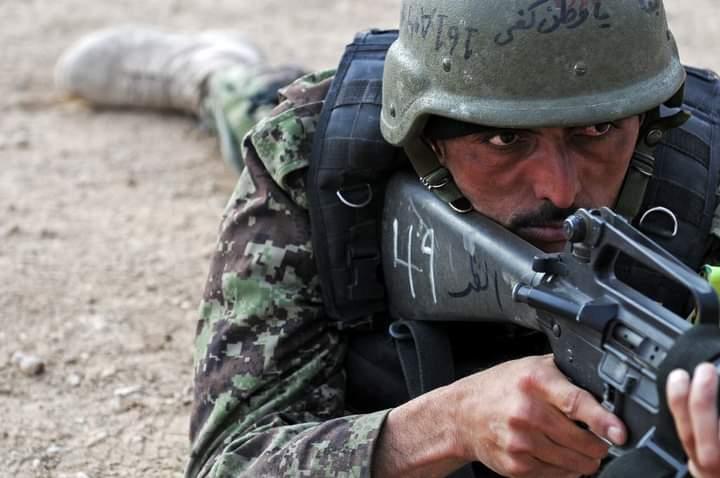 تخار کې افغان ځواکونو دېرش تنه طالب جنګیالي وژلي.